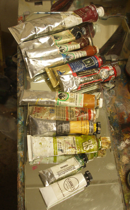 Some artists paint tubes