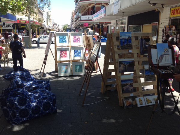 An art market on the streets of Fremantle
